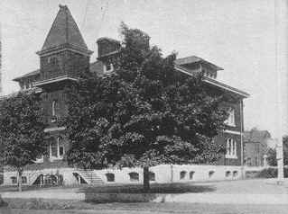 Lincoln School; Photo from Chester and Vicinity © 1914 by Hy. V. Smith