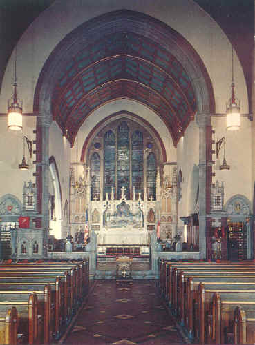 st_paul_3_interior.jpg (79315 bytes)